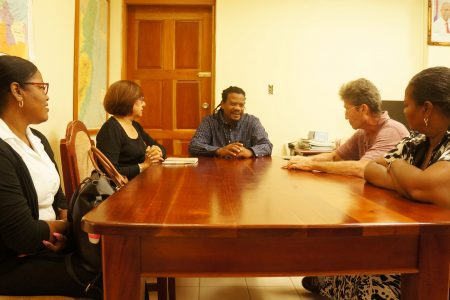 BELIZE RED CROSS OFFICIALS MEET WITH NEMO...